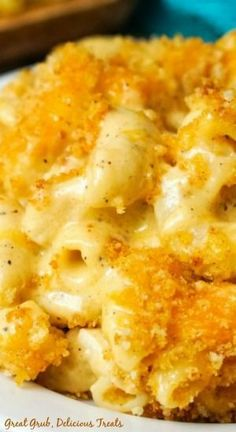 Homemade Creamy Macaroni and Cheese is full of Gruyere and sharp cheddar, topped with a panko mixture for the ultimate comfort food. Velveeta Mac And Cheese, Gruyere Mac And Cheese, Macaroni And Cheese Casserole, Baked Mac And Cheese Recipe, Creamy Macaroni And Cheese, Macaroni Cheese Recipes, Bake Mac And Cheese, Mac And Cheese Homemade, Casserole Recipes