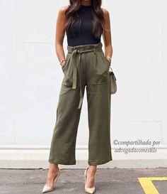 Que tal sair da zona de conforto e ousar um pouquinho na modelagem e combinação do look? O que acham? . . Quer aparecer aqui ? Marque o perfil @advogada com estilo e a #advogadacomestilo em sua foto . . . #advogadacomestilo #advogata #advogada #lookoftheday #looktrabalho #lookdetrabalho #lawyer #salvador #ssa #bahia #modafeminina #baiana #blogsalvador #brasil #ootd #fashion #fashionista #look #direito #moda #estilo #escritorio #office #blogger #blog #lookbook #regram #boanoite
