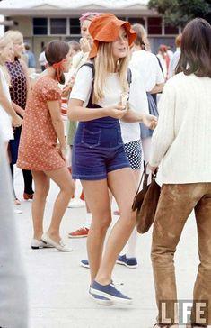 High School fashion from 1969.