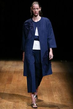 Josie Natori Spring 2015 Ready-to-Wear - Collection - Gallery - Look 1 - Style.com
