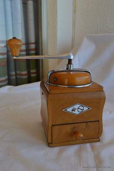 Le Moulin, Kitchen Appliances, Sun, Pinwheels, Vintage Posters, Entrance Halls, Jars, Wood, Objects