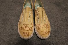 Hand Painted Harry Potter Shoes via Etsy Harry Potter Shoes, Harry Potter Love, Harry Potter Jk Rowling, Mischief Managed, Shoe Art, Girl Problems, Keds, Geek Stuff, Footwear