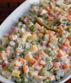 Gülay Kitchen: Russian Salad Before the century, foods from animal origin were avoided as Turkish Salad, Turkish Recipes, Ethnic Recipes, Vegetarian Recipes, Cooking Recipes, Vegetarian Appetizers, Pierogi Recipe, Appetizer Salads, Arabic Food