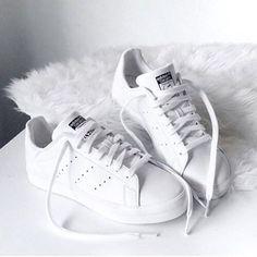 Scopri e condividi le immagini più belle provenienti da tutto il mondo Shoes, snikers, white, pure, style, adidas, stansmith