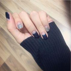 nail art / deep french / navy / silver