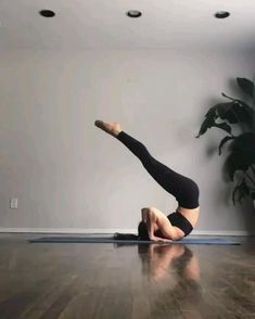 Fitness Workouts, Yoga Fitness, At Home Workouts, Fitness Words, Yoga Motivation, Yoga Challenge, Handstand Challenge, Power Yoga Video, Fitness Inspiration