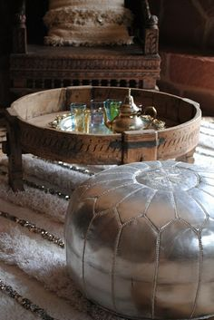 moroccan interior, moroccan style, moroccan poufs, home decorating