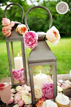 Lantern centerpieces....i really love lanterns =p