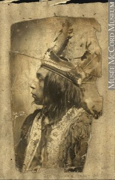 Mi'kmaq man wearing native head-dress, about 1915 Anonyme - Anonymous About century © McCord Museum Native American Pictures, Native American Beauty, Native American Tribes, Native American History, Indian Pictures, Native Indian, Indian Tribes, Native Art, People Of The World