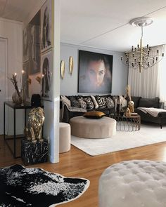 Classy Living Room, Dark Living Rooms, Living Room Modern, Living Room Designs, Living Room Decor, White Home Decor, Cool House Designs, Interior Design, House Styles