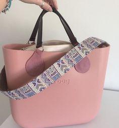 Fashion Handbags, Purses And Handbags, Fashion Shoes, Bag Closet, Wooden Bag, O Bag, Girl Bottoms, Michael Kors Jet Set, Leather Bag