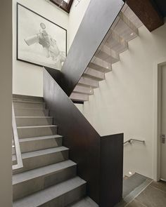 Modern Staircase railing Design Ideas, Pictures, Remodel and Decor Modern Stair Railing, Stair Handrail, Modern Stairs, Railing Design, Staircase Design, Stair Design, Interior Staircase, Staircase Railings, Banisters
