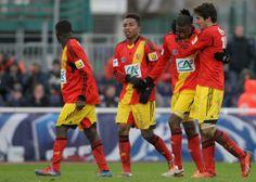 FOOTBALL -  Ligue 2: Lens interdit de recruter par la DNCG - http://lefootball.fr/ligue-2-lens-interdit-de-recruter-par-la-dncg/