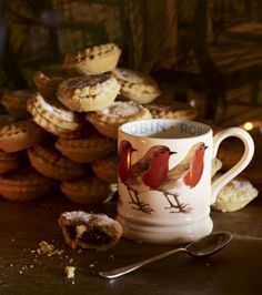 Mince Pies and Emma Bridgewater Robin mug. I like her things- they have a very nice whimsical look.