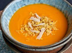 Découvrez la recette Soupe de potimarron sur cuisineactuelle.fr.