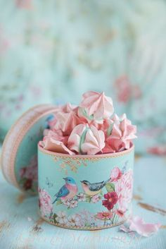 58 Ideas Photography Food Art Ana Rosa For 2019 Shabby Chic Bedrooms, Pretty Pastel, Pastel Colors, Blue Bird, Chocolates, Food Art, Bunt, Pink Blue, Food Photography