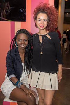Gabi Oliveira e Nanda Cury - São Paulo Fashion Week Foto: Carolina Cury para o Blog das Cabeludas #dreads #curlyhair #redcurls