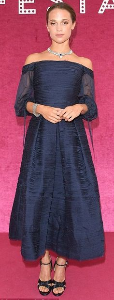 Alicia Vikander in Marchesa attends a Bulgari bash in Venice. #bestdressed