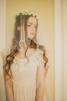 This is why less can be more. This is such a simple and pretty veil.