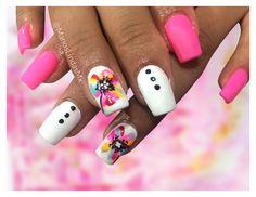Publicación 6: Uñas decoradas en Manos Lindas (Mx). Una combinación radiante y muy llamativa. ¿Quién diría que el rosa y el blanco se ven tan bien juntos? #ManosLindasMx #manoslindas #manoslindasmx #manos #lindas #uñasbellas #decoradas #decoracionesparauñas #decoraciones #nailart #rosa #rosas #uñasrosas #blanco #blanca #blancas #uñasblancas #uñaslindas #uñasbellas #flor #flores #colorido #colorida #coloridas