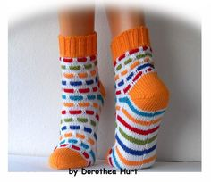 Ribbon socks. MUST make. Crochet Socks, Knitting Socks, Baby Knitting, Knit Crochet, Wool Socks, My Socks, Boot Toppers, Tatting Patterns, Baby Booties