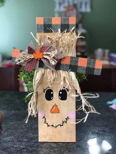 2x4 Crafts, Fall Wood Crafts, Halloween Wood Crafts, Scarecrow Crafts, Autumn Crafts, Craft Stick Crafts, Fall Halloween, Holiday Crafts, Fall Craft Fairs