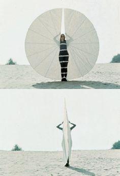 gallowhill: Rebecca Horn, Still from performance of Körperfächer, 1972 Contemporary Dance, Modern Dance, Artistic Photography, Art Photography, 3d Chalk Art, Art 3d, Cosplay Armor, Evil Clowns, Art Costume