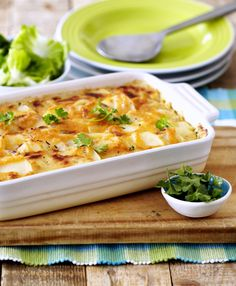 Butternut, Potato & Sundried Tomato Bake - a gorgeous easy bake the whole family will enjoy. Suppers, What's Cooking, What To Cook, Easy Dinner Recipes, Kos, Foodies, Recipies, Potatoes, Vegetarian