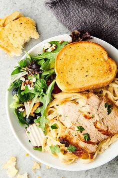 Chicken Alfredo - Easy and Delicious - One-Pot Dinner! Best Chicken Recipes, Shrimp Recipes, Beef Recipes, Rice Recipes, Yummy Recipes, Yummy Food, Healthy Alfredo Sauce Recipe, Stuffed Pepper Soup, Meals