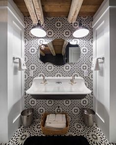 how beautiful this #bathroom is?! 😍 Everything is perfect! 🙌🤯