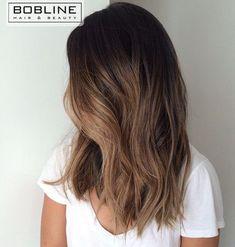 De balayage behandeling is één van de specialisaties van Bobline Hair & Beauty. Met een Balayage behandeling zorg je ervoor dat je een hele mooie subtiele overloop van kleur krijgt in je haar. Balayage wordt in de Franse taal gebruikt als 'vegen'. Dit is ook wat je terugziet in het eindresultaat. #kappereindhoven #boblinehairandbeauty #balayage