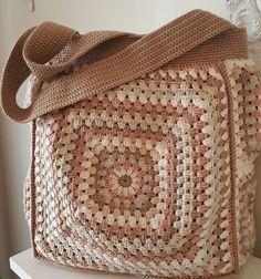 Hand knitted bags patterns - Knittting Crochet - K Crochet Market Bag, Crochet Tote, Crochet Handbags, Crochet Purses, Love Crochet, Beautiful Crochet, Crochet Bikini Pattern, Crochet Patterns, Crochet Ideas