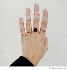 many-golden-rings-with-black-diamond