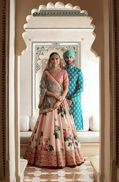 Sabyasachi Mukherjee has never failed to impress us with his stunning wedding attire collections. Look at the latest Sabyasachi lehenga designs to give a treat to your eye. Indian Bridal Wear, Indian Wedding Outfits, Bridal Outfits, Indian Wear, Indian Outfits, Indian Weddings, Bride Indian, Floral Outfits, Indian Clothes