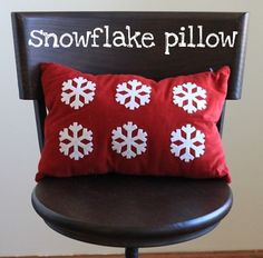 the crafty cpa: return on creativity: holiday pillows DIY