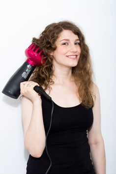 How to Use a Diffuser on Curly Hair - Tips for Blowdrying Perfect Curls