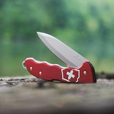 The Hunter Pro Alox is hunting's new generation go-to multitool. Victorinox Knives, Swiss Army Knife, Guns, Knifes, Swords, Hunting, Pocket, Instagram, Weapons Guns