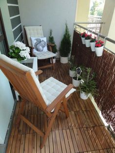 If you feel as if you need your balcony to look more natural, don't be afraid to pile up smooth pebbles that may also function as your outdoor doormat on the balcony. When you have balcony in your house than… Continue Reading → Small Balcony Garden, Small Balcony Design, Small Balcony Decor, Small Patio, Patio Design, Balcony Ideas, Terrace Ideas, Outdoor Balcony, Patio Ideas