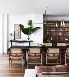 7 Wealthy ideas: Dining Furniture Makeover How To Paint dining furniture.Dining Furniture Ideas Modern dining furniture makeover how to paint.Contemporary Dining Furniture Home. Design Living Room, Dining Room Design, Dining Room Inspiration, Home Decor Inspiration, Decor Ideas, Room Ideas, Decorating Ideas, Home Interior, Interior Design