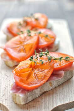 This simple recipe for persimmon prosciutto crostinis with homemade ricotta is a wonderful appetizer, snack, or light lunch. Healthy Cat Treats, Healthy Snacks For Diabetics, Healthy Appetizers, Appetizer Recipes, Brunch Recipes, Persimmon Recipes, Sandwiches, Clean Eating Snacks, Eating Healthy