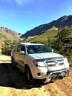 Rudi Swanepoel in his Toyota Hilux. Read more in the July issue of SA4x4 Magazine