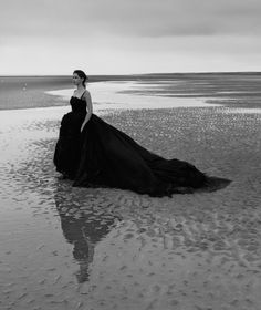 'The Invisible Woman' Felicity Jones by Annie Leibovitz for Vogue US January 2014♛   ♛~✿Ophelia Ryan ✿~♛
