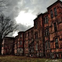 incredible. middletown state psychiatric hospital, NY. (From my old stompin' grounds)