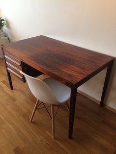 Torbjørn Afdal skrivebord fra 1960-tallet | FINN.no Retro Furniture, Dining Table, Design, Home Decor, Modern, Decoration Home, Room Decor, Dinner Table