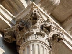 Chapiteau corinthien (aile Nord du château, 1er étage).
