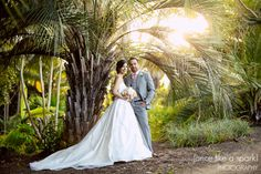 Editor�s Choice :: Dina   Shwan�s Lush Wedding at San Diego Botanic Gardens :: with Tracy