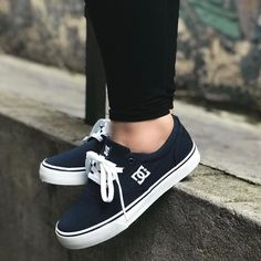 Vans Shoes, Shoes Sneakers, Fashion Outfits, Womens Fashion, Shoe Collection, Beautiful Shoes, Cute Shoes, Shoe Boots, Footwear