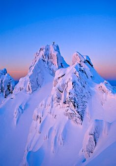 """Sunset at the mountain """"Middagstind"""" in Tromsø, Northern Norway. ☮k☮ #Norge"""