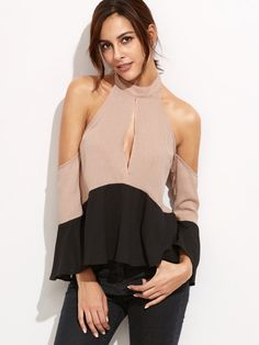 Blouse Women Sexy Cold Shoulder Ruffle Blouses Contrast Keyhole Front Halter Tops Summer New Fashion Blouse What a beautiful image Visit us Fashion News, Fashion Outfits, Womens Fashion, Halter Tops, Halter Neck, Modelos Plus Size, Jeans Rock, China Fashion, Blouse Styles