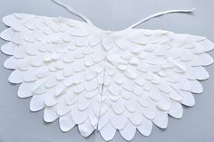 White bird wing cape for kids. Bird dress up wings set for toddlers and young children. Halloween or Carnival dress up bird wing cape costume accessory. Bird Costume Kids, Bird Wings Costume, Swan Wings, Dove Wing, Carnival Dress, Up Costumes, Nativity Costumes, Costume Ideas, Halloween Costumes